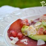 Carpaccio di bresaola, avocado e grana con vinaigrette al melograno
