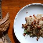 Testaroli ai funghi con bacon croccante