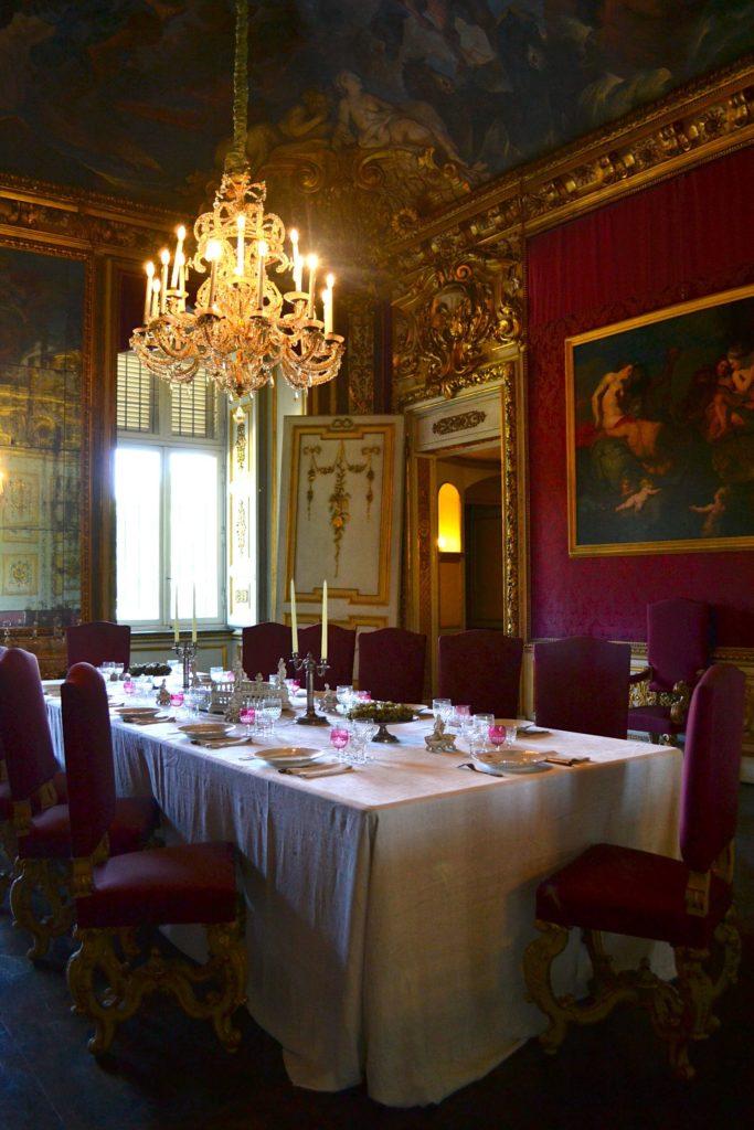 Le cucine di palazzo reale a torino for Sala da pranzo reale